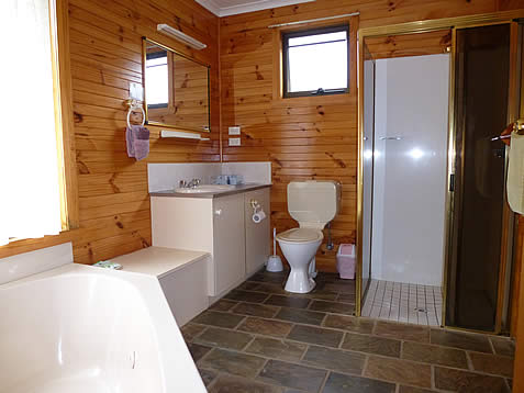 Spa cottage near Cradle Mountain